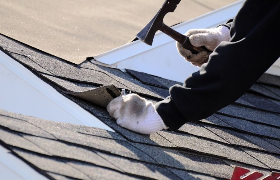When Should You Call A Roofing Contractor in Canton Michigan