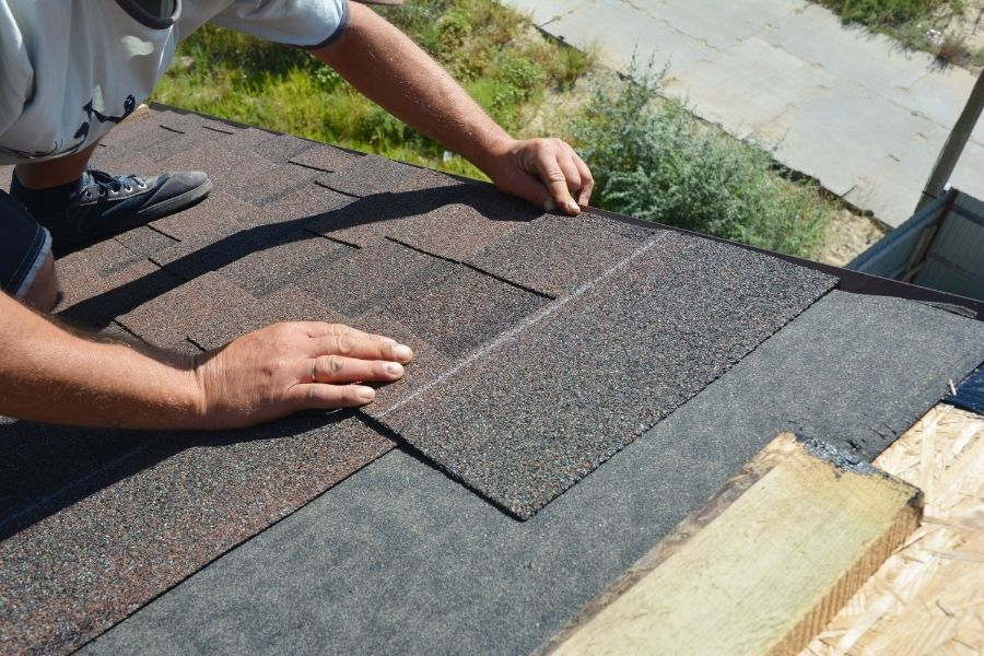 Temporary Things You Can Do For Roof Leaks in Ypsilanti Michigan Before A Professional Comes